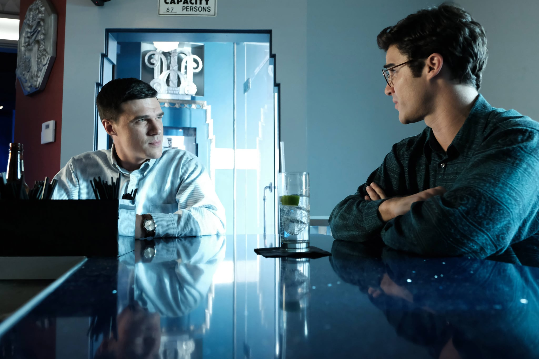 THE ASSASSINATION OF GIANNI VERSACE: AMERICAN CRIME STORY (aka AMERICAN CRIME STORY), from left: Finn Wittrock (as Jeffrey Trail), Darren Criss (as Andrew Cunanan), 'Don't Ask, Don't Tell', (Season 2, ep. 205, aired Feb. 14, 2018). photo: Ray Mickshaw / FX / Courtesy: Everett Collection