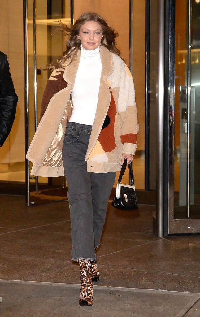 How to Wear Jeans: Gigi Hadid