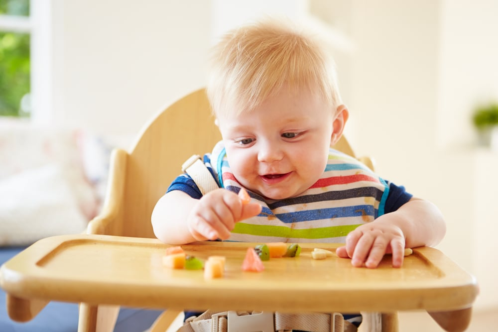 Best Tips For Introducing Finger Foods to Babies