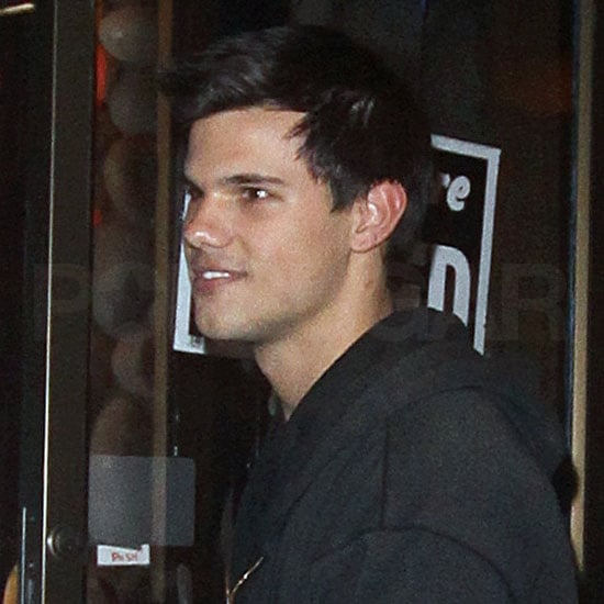 Taylor Lautner Breaks From Twilight For a Meal in Vancouver