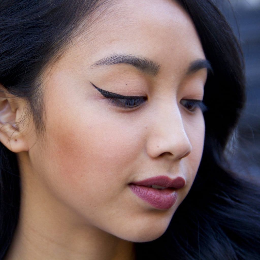 Winged Eyeliner Hack Using Bobby Pin