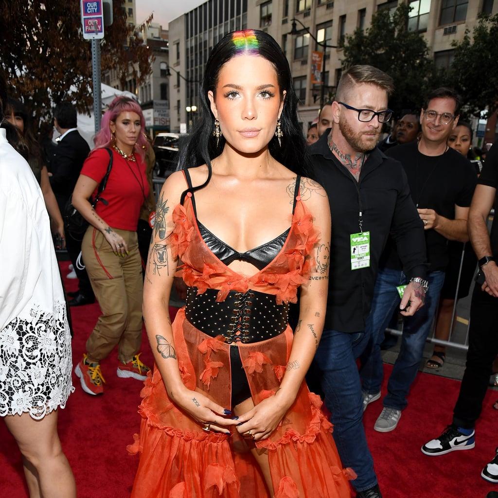 Halsey's Rainbow Hair Colour at The 2019 MTV VMAs