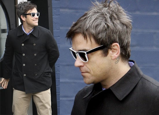 11/06/2009 Robbie Williams At Recording Studio In London
