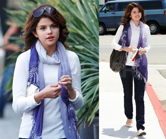 Selena Gomez Out in LA Without Taylor