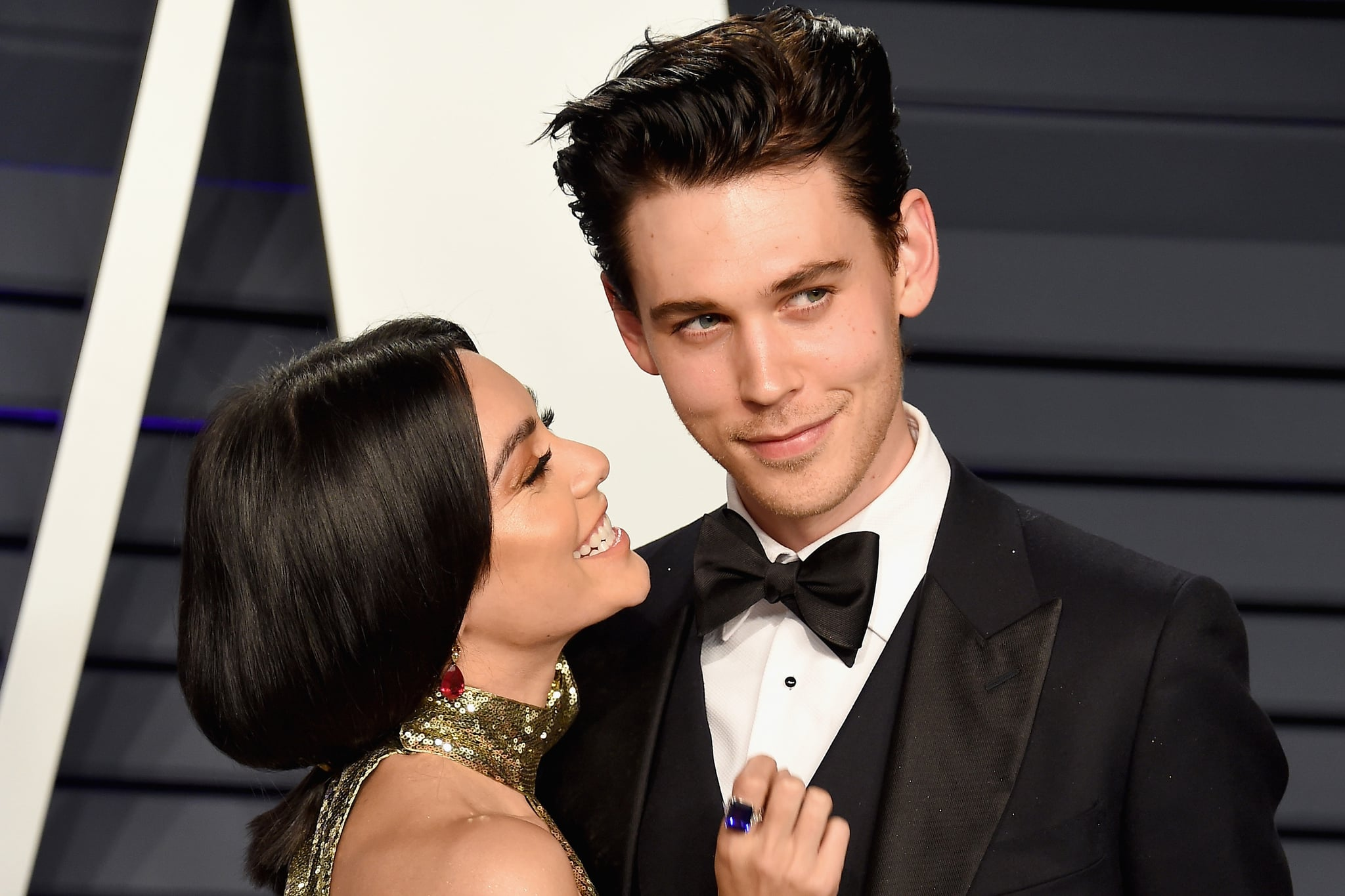 BEVERLY HILLS, CA - FEBRUARY 24: Vanessa Hudgens (L) and Austin Butler attend the 2019 Vanity Fair Oscar Party hosted by Radhika Jones at Wallis Annenberg Centre for the Performing Arts on February 24, 2019 in Beverly Hills, California.  (Photo by Gregg DeGuire/FilmMagic)