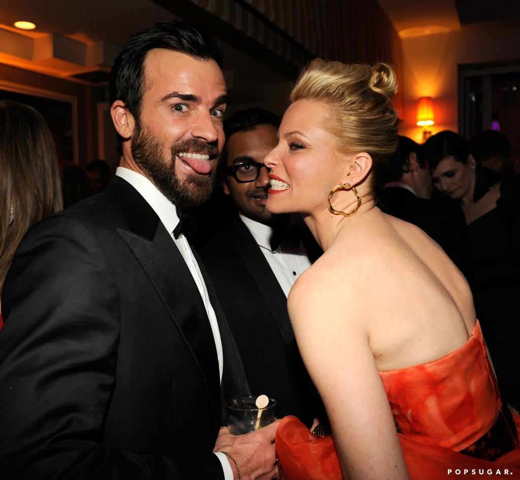 Justin Theroux and Elizabeth Banks goofed off at the Vanity Fair afterparty on Sunday night.