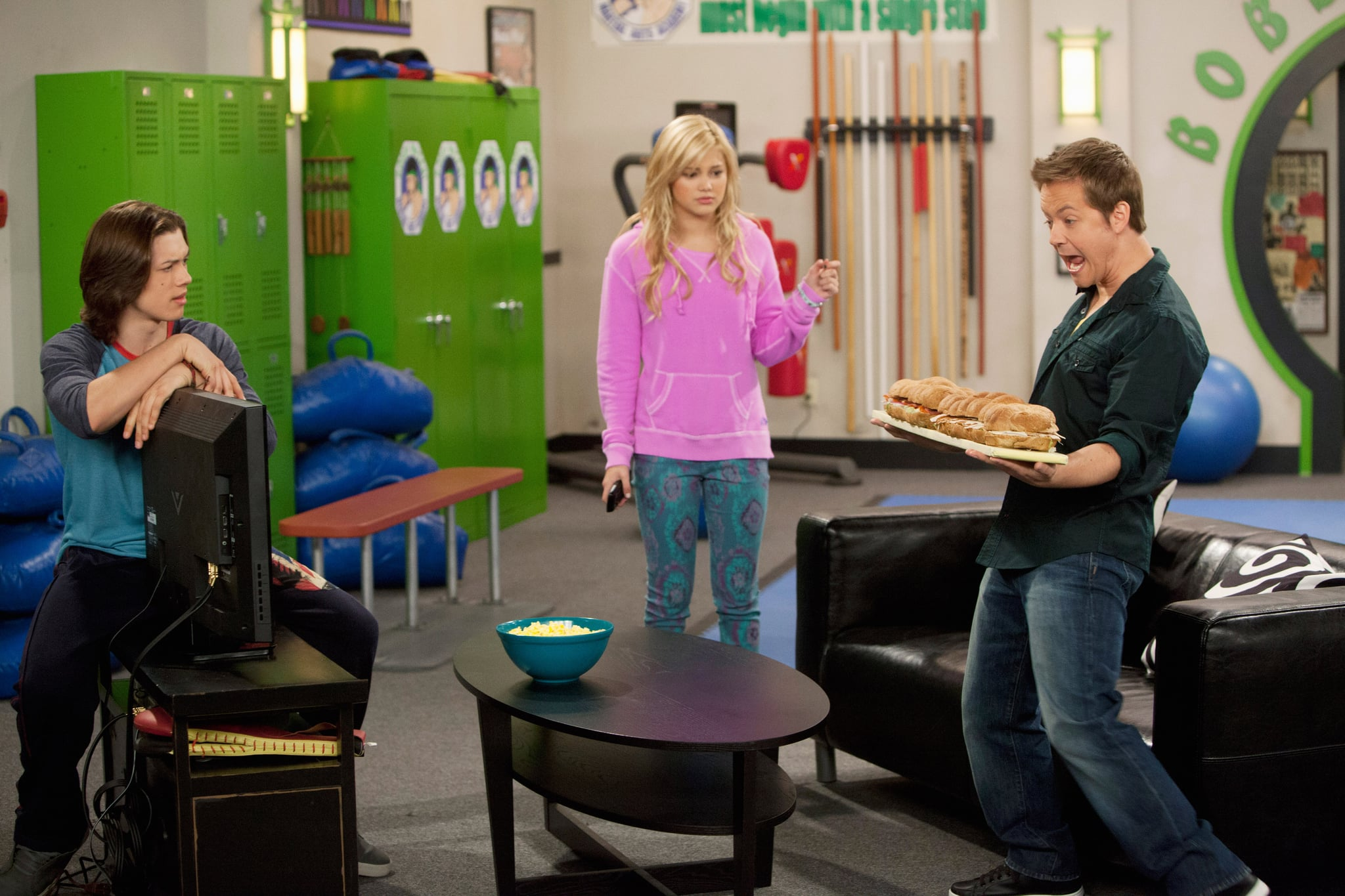 KICKIN' IT, (from left): Leo Howard, Oliva Holt, Jason Earles, 'The Sub Sinker', (Season 3, ep. 305, aired April 29, 2013), 2011-. photo: Adam Rose /  Disney XD Channel / Courtesy: Everett Collection