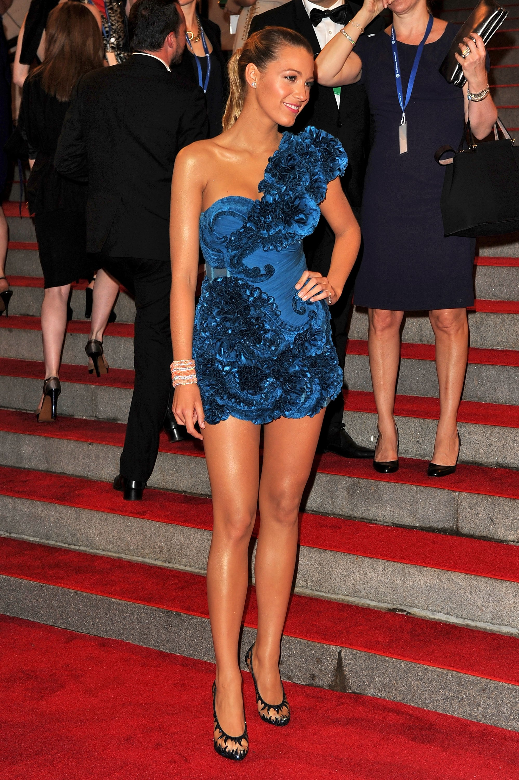 Pictures of Blake Lively at the 2010 Met Costume Institute ... блейк лайвли рост