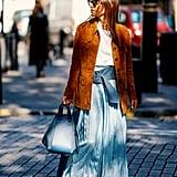 كيفية ارتداء جلد السويد: سترة ذات جياب واسعة عديدة
