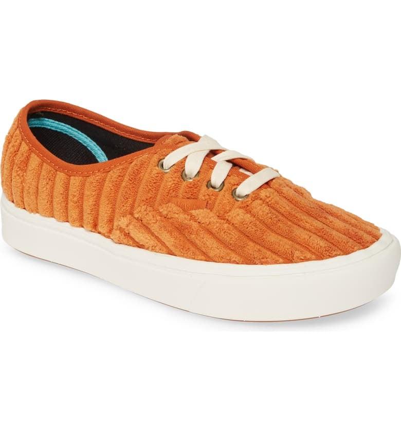 Vans UA ComfyCush Authentic Corduroy Sneakers