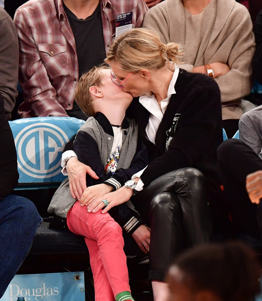 Cate Blanchett and Sons at Knicks Game November 2016 ...