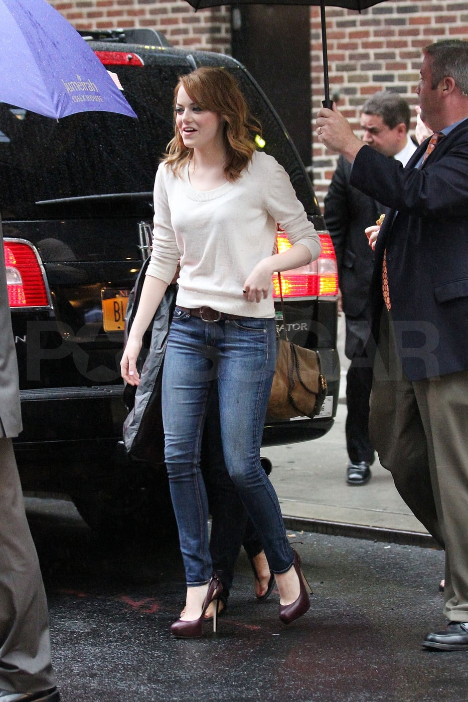 """Emma Stone Talks """"Chemistry Test"""" With Ryan Gosling and Asks Michelle Obama For Booze on Letterman"""
