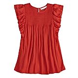 قميص أحمر واسع ذو كشكش وثنيات ناعمة