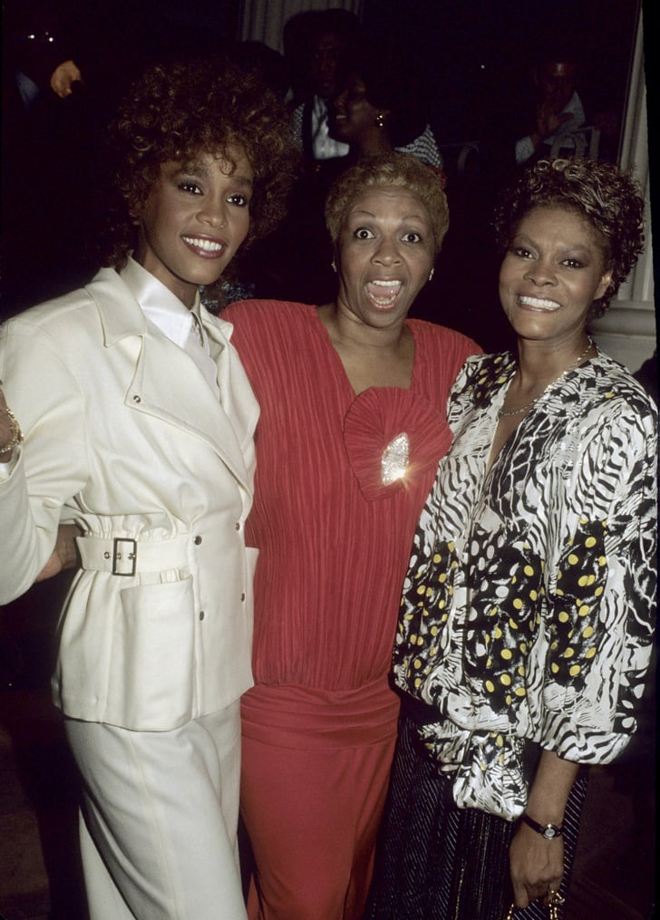Whitney, Her Cousin Dionne Warwick, And Mother Cissy Houston Pose In  Whitney Houston -2328