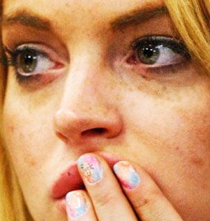 Lindsay Lohan Eff U Nail Polish Pics 2010-07-07 10:05:11