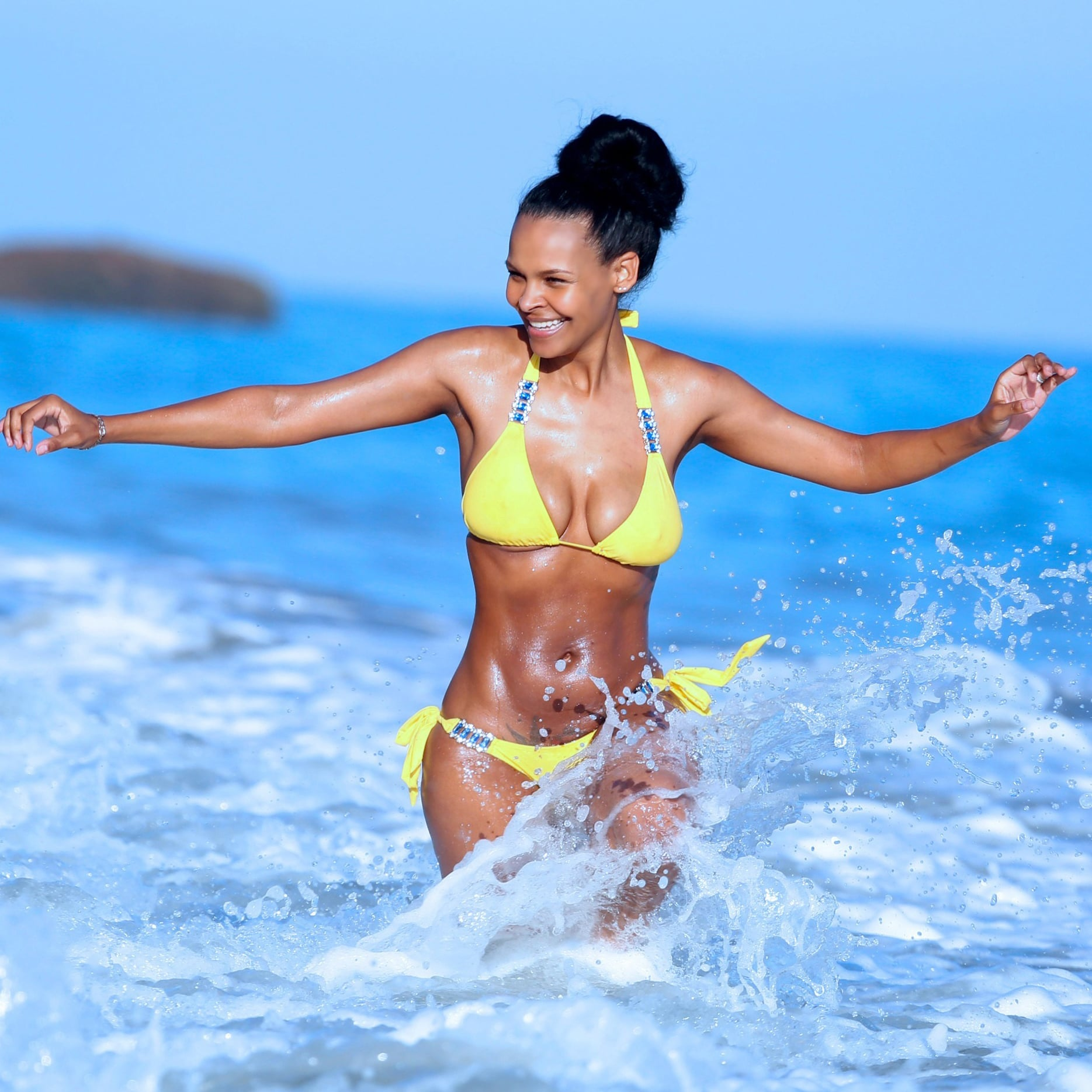 photo Samantha mumba pics in bikini