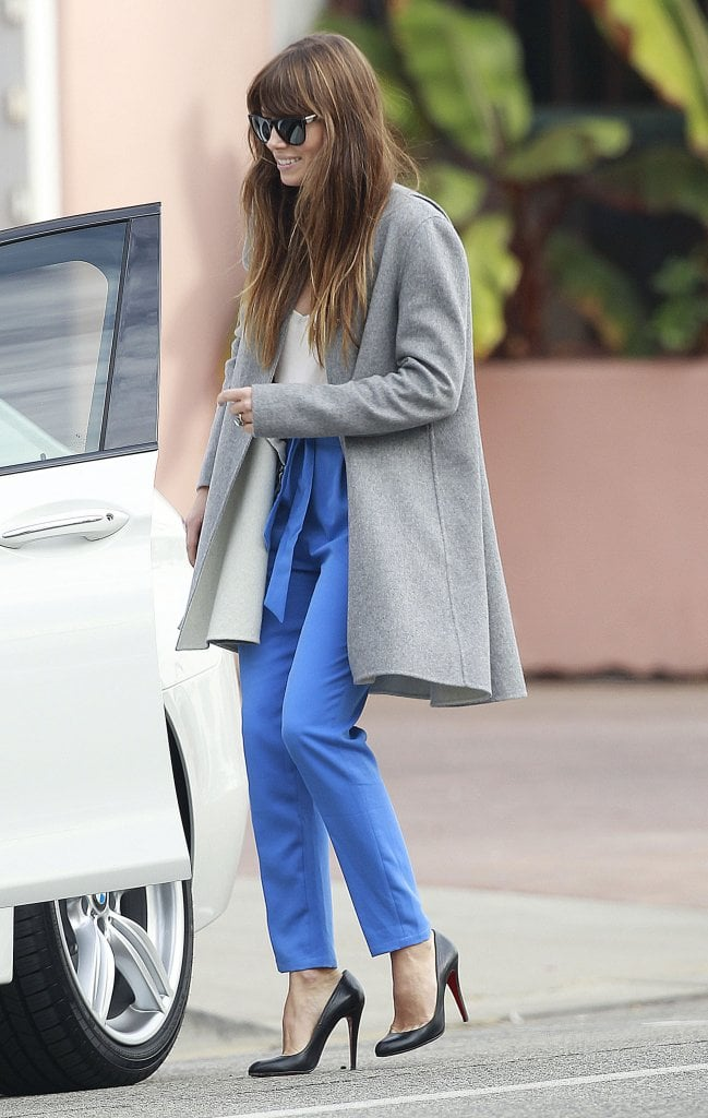 Jessica Biel walked to her car after lunch.