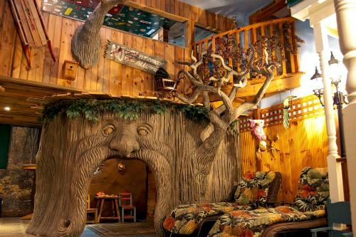 Treehouse Suite At Adventure Suites North Conway Nh
